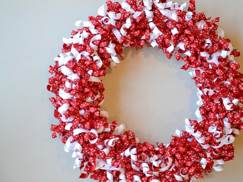 Valentines-Day-Wreath-Using-Curled-Grosgrain-Ribbon